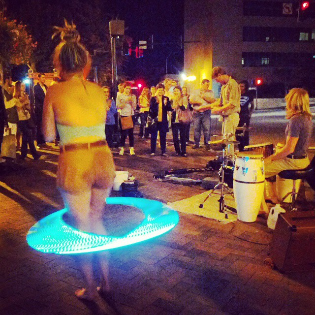 hula-hoop-girl